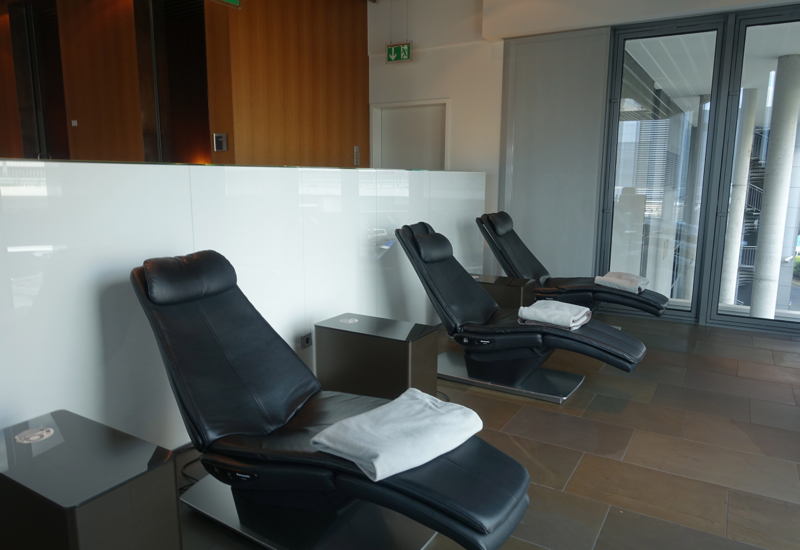 Relaxation Chairs, Lufthansa First Class Terminal Review