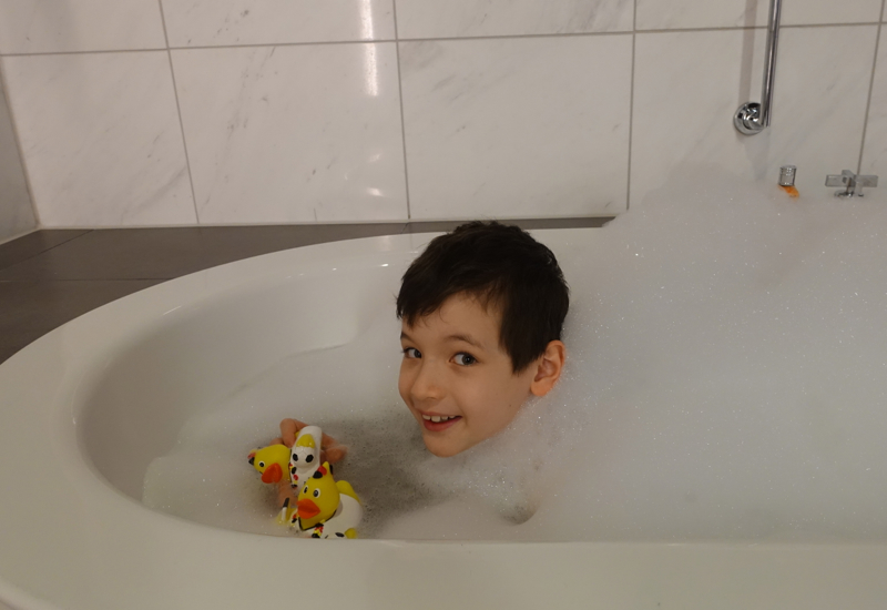Enjoying a Bath, Lufthansa First Class Terminal Review