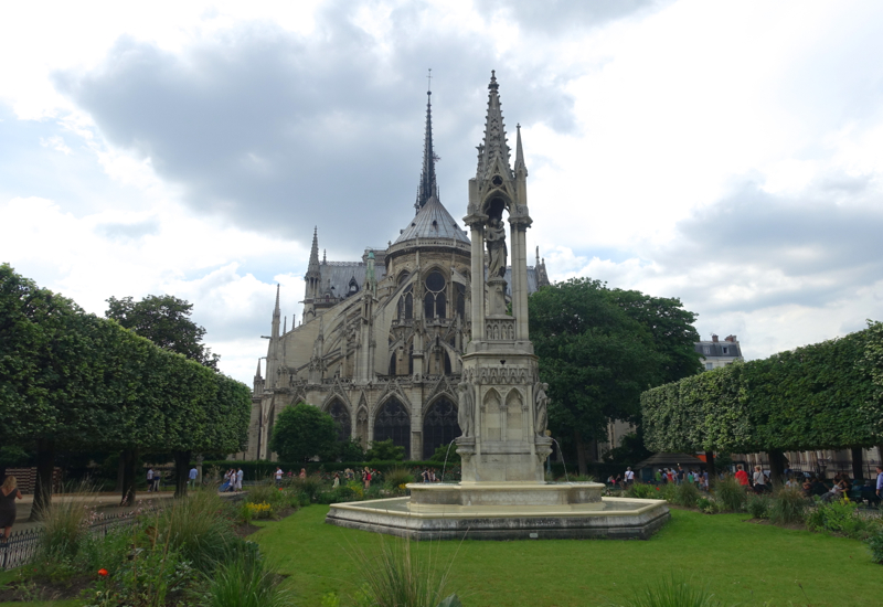 Square Jean XXIII, Gardens Behind Notre Dame, Paris Muse Review