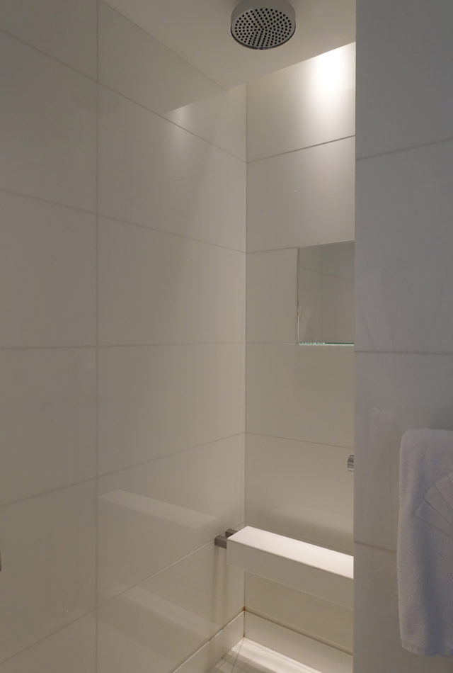 Mandarin Room Rain Shower, Mandarin Oriental Paris Hotel Review