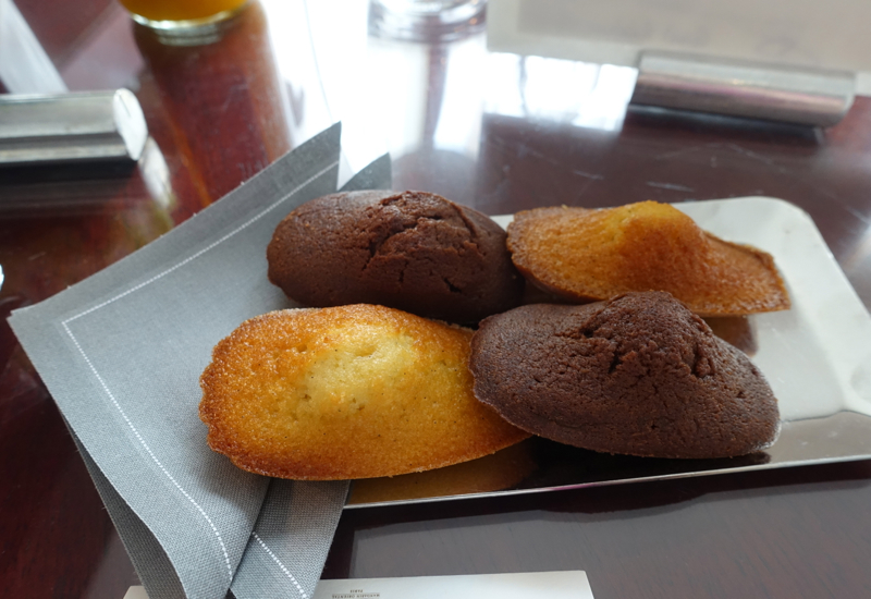 Madeleines Welcome Amenity, Mandarin Oriental Paris Review