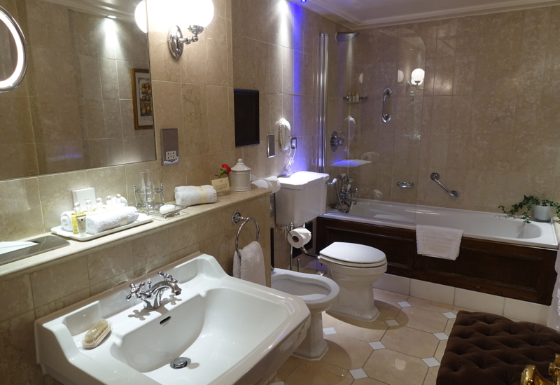 Deluxe Room Bathroom, The Milestone Hotel London Review