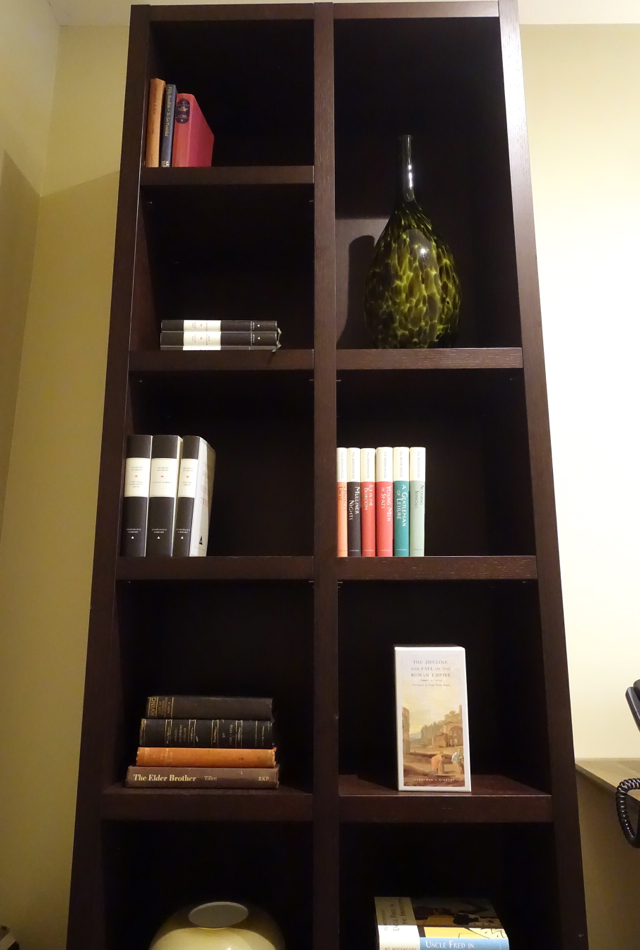 Executive Room Bookshelf, Brown's Hotel London Review