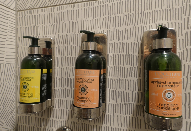 L'Occitane Bath Products, Shower Suite, AMEX Centurion Lounge Houston Review