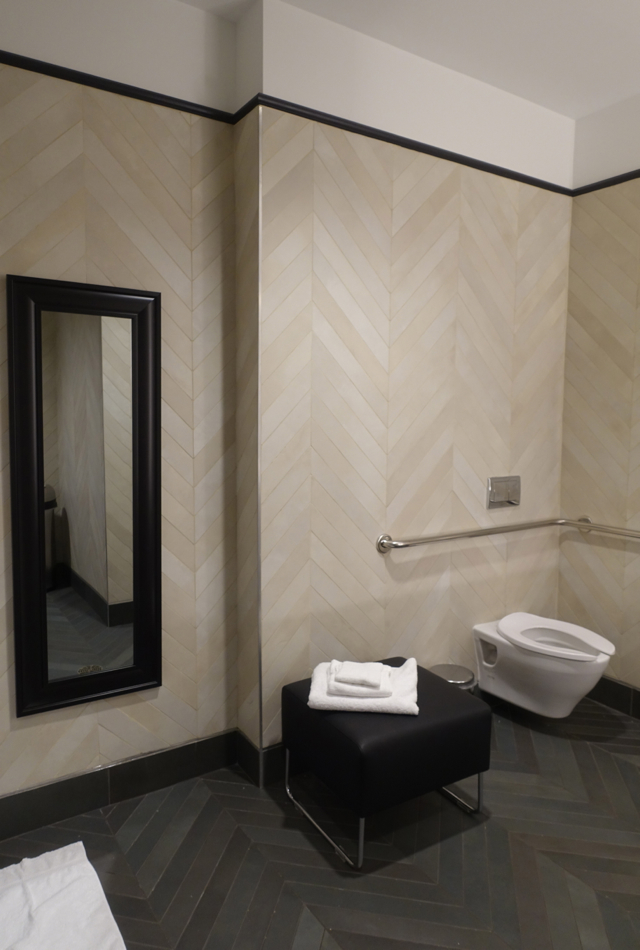 Shower Room Toilet and Ottoman, AMEX Centurion Lounge Houston Review