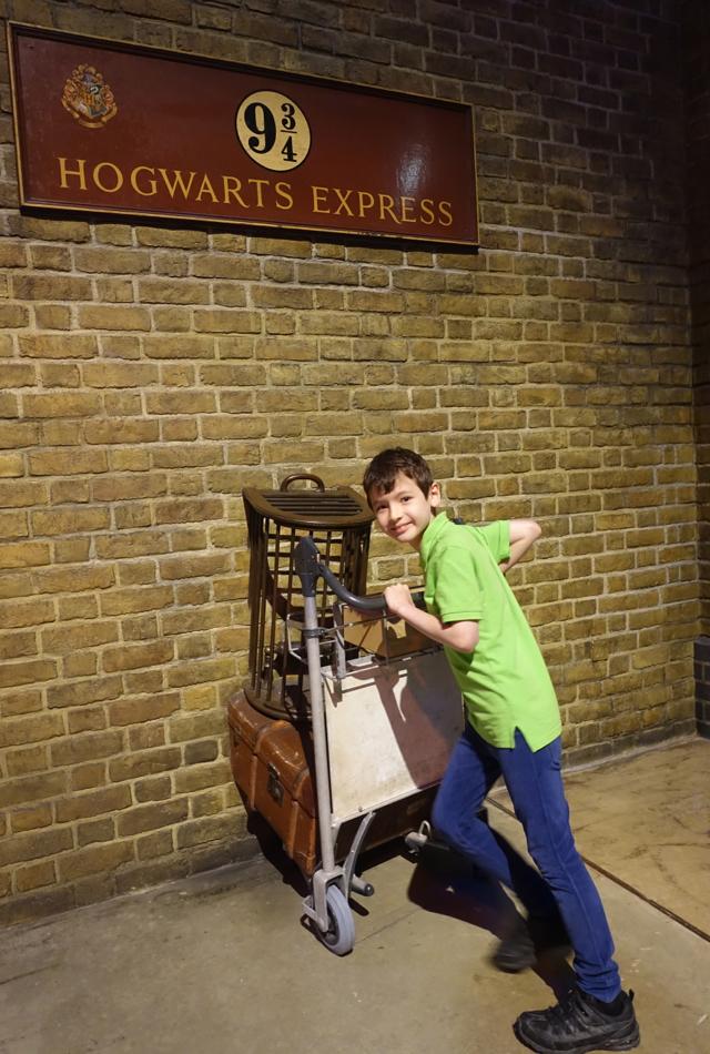 Time to Get the Hogwarts Express at Platform 9 3/4