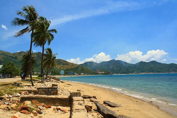 Beaches Diving And Hot Springs In Nha Trang Vietnam