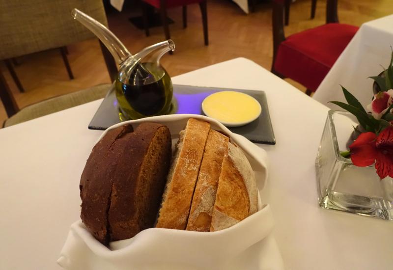 Bread and Elegant Oil / Vinegar Server, Cafe Astoria St. Petersburg Review