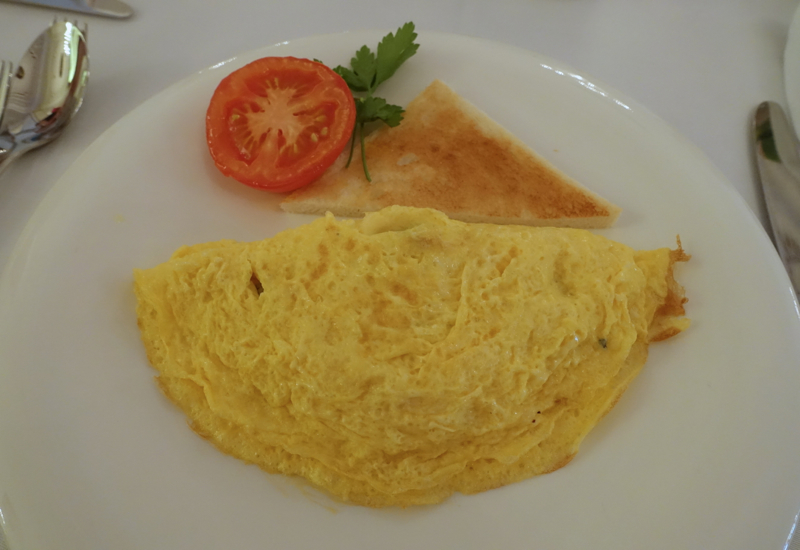 Omelet, Cafe Astoria Breakfast Review, St. Petersburg