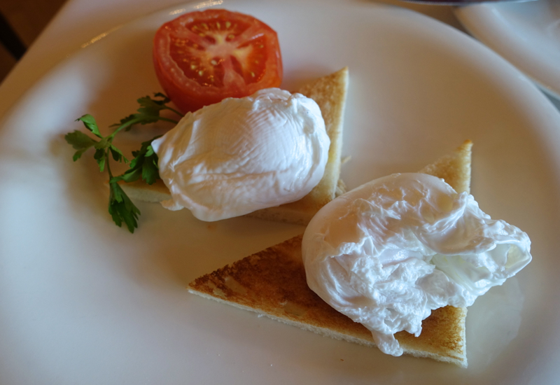 Poached Eggs, Cafe Astoria Breakfast Review, St. Petersburg Russia