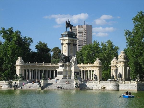 El Retiro Park, Madrid Spain