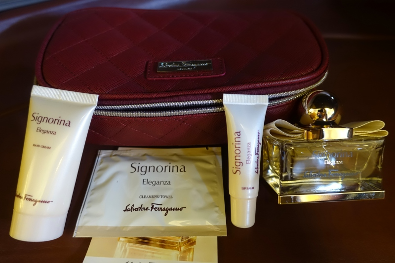Singapore First Class Amenity Kit Review: Salvatore Ferragamo Signorina