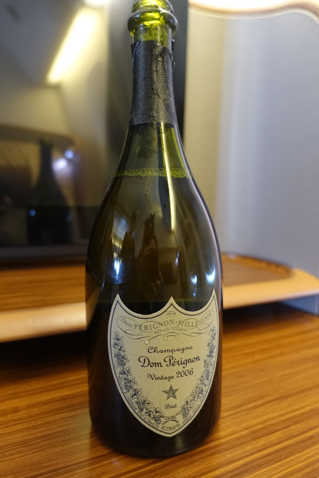 Dom Perignon Champagne 2006, Singapore First Class Review
