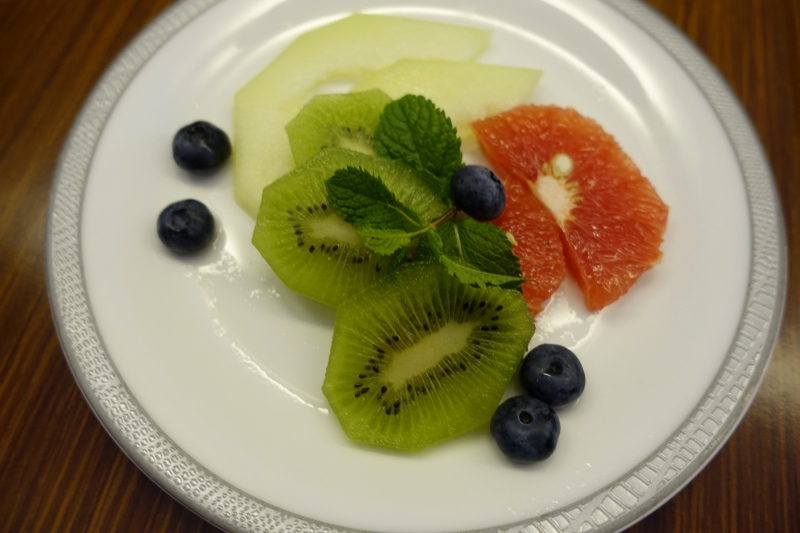 Fruit Plate, Singapore Airlines First Class Review, 777