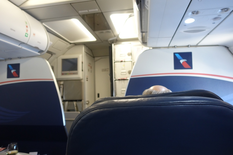 Review: American Airlines Old A321 First Class with Recliner Seats