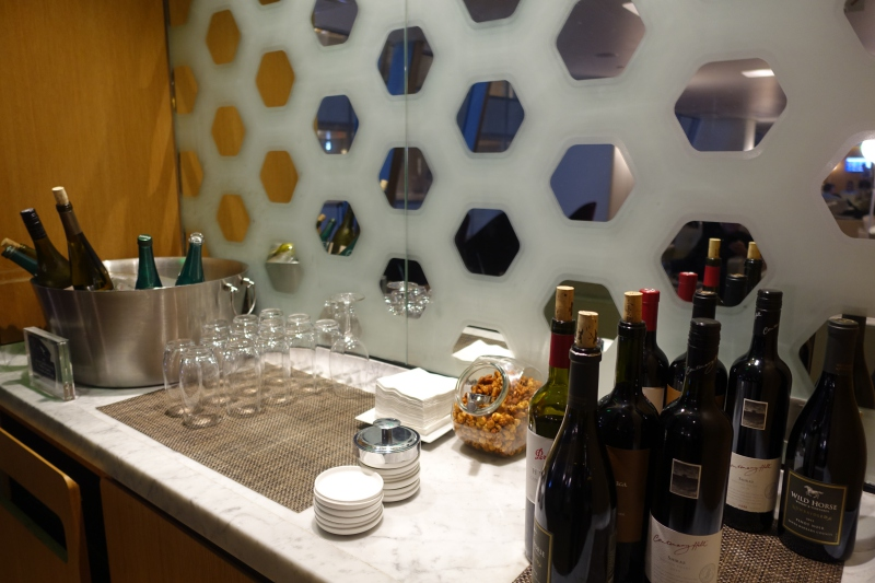 Wine, Qantas First Class Lounge LAX Review
