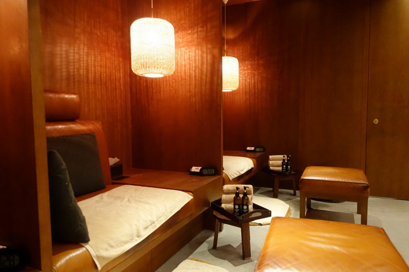 The Retreat Spa, Cathay The Pier First Class Lounge Review HKG