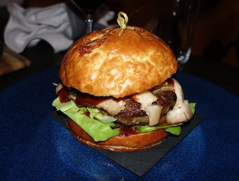 Burger, Black Barn NYC Restaurant Review