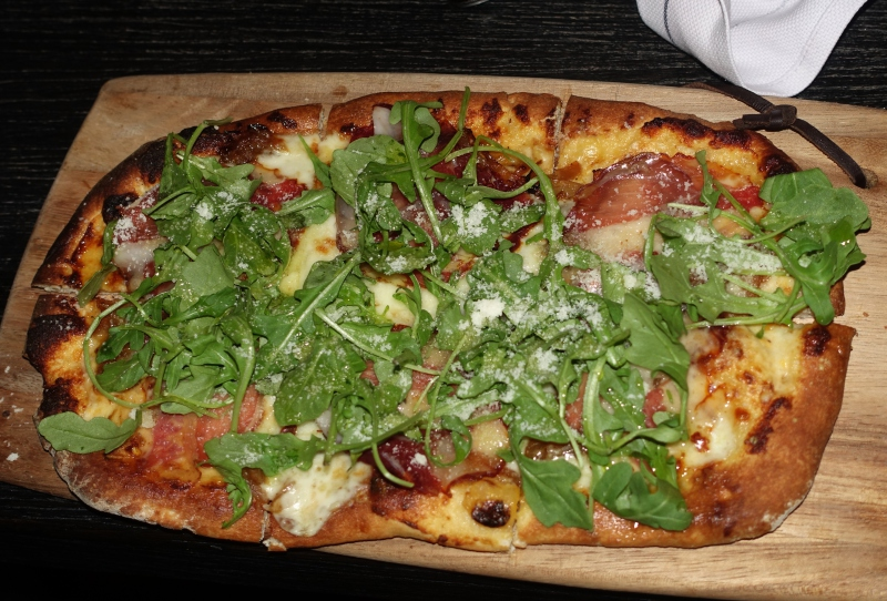 White Pizza, Black Barn NYC Restaurant Review