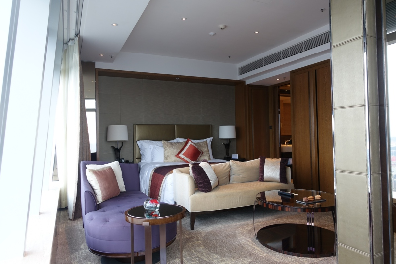 Review: Ritz-Carlton Hong Kong Club Grand Victoria Harbour Room