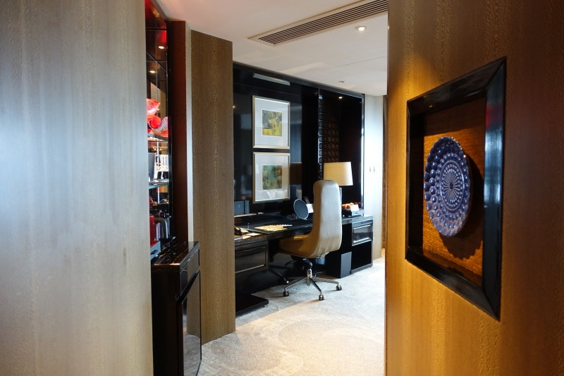 Entrance, Club Grand Victoria Harbour Room, Ritz-Carlton Hong Kong Review