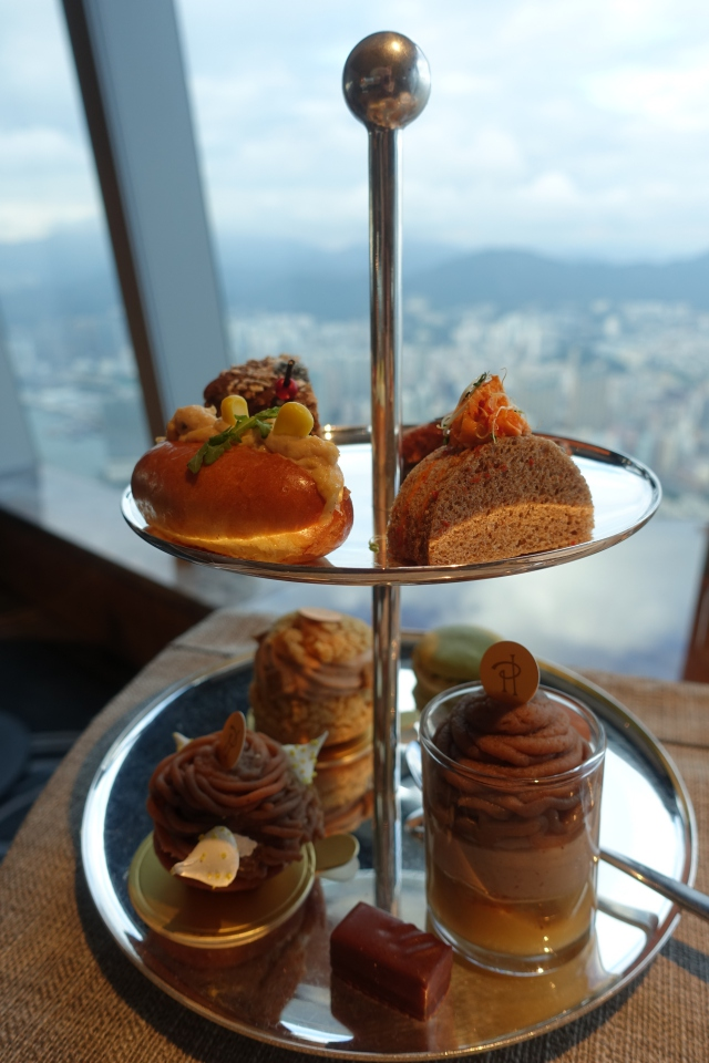 Afternoon Tea, The Ritz-Carlton Hong Kong Club Lounge Review