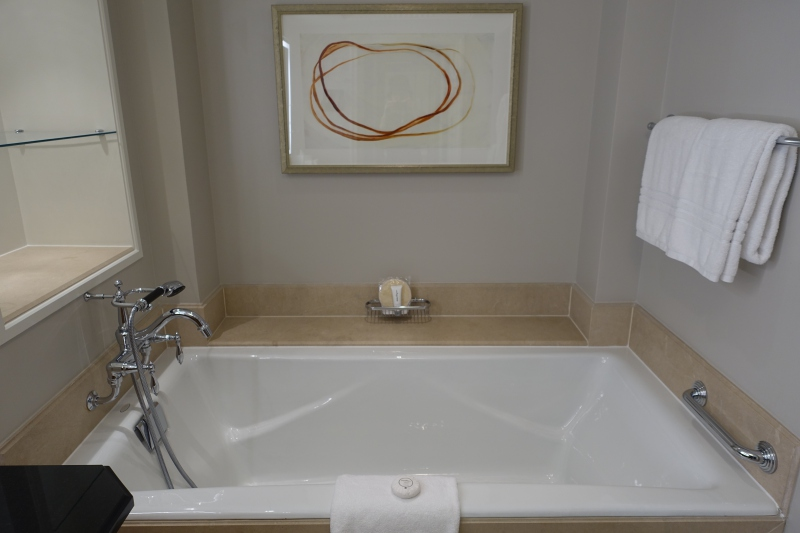 Soaking Bath, Four Seasons Washington, DC Review