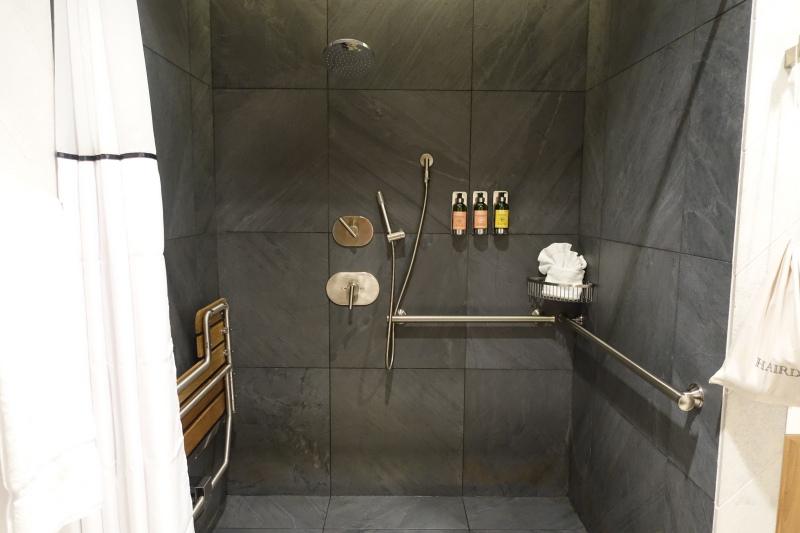 Shower Room, AMEX Centurion Lounge SFO Review