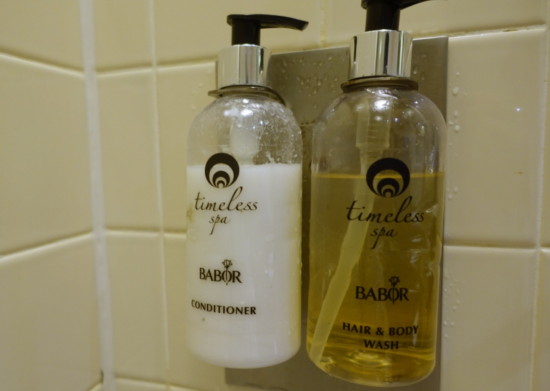 Timeless Spa Bath Products, Emirates Lounge JFK Review