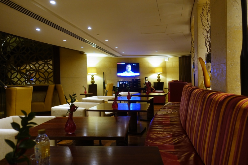 Raffles Club Lounge Seating, Raffles Dubai Review