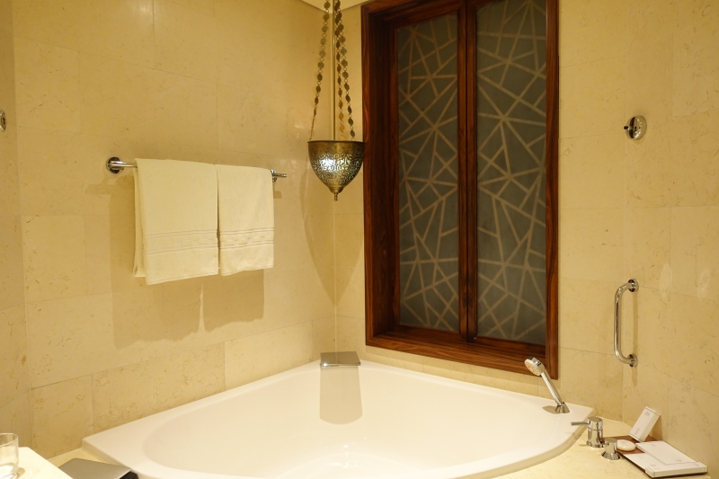 Club Room Bathroom, Raffles Dubai Review