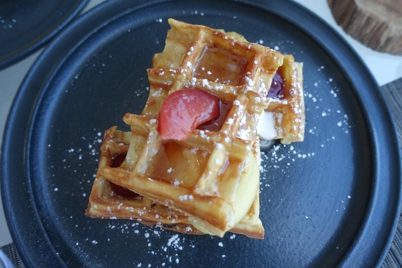 Waffles, Park Hyatt Maldives Breakfast Review