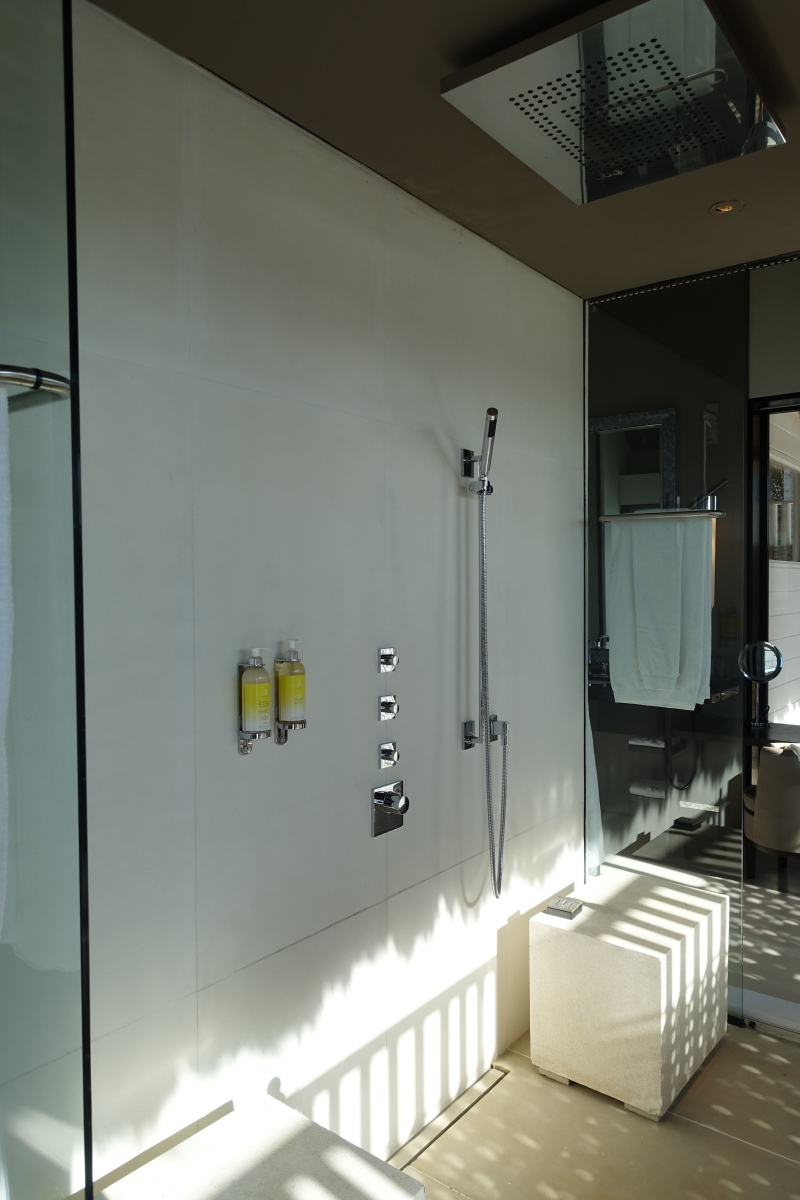 Couple's Walk-In Shower, Cheval Blanc Randheli Review