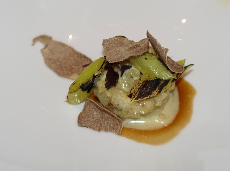 Potatoes and Charred Leeks with Alba White Truffles, Le 1947 Review