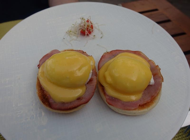 Eggs Benedict, Cheval Blanc Randheli Breakfast Review