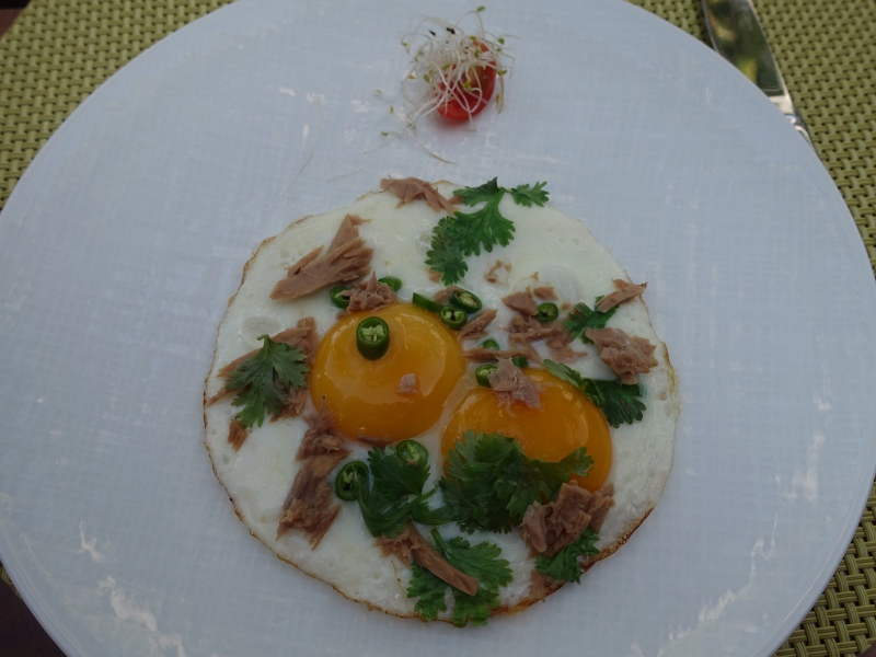 Maldivian Eggs Sunny Side Up, Cheval Blanc Randheli Breakfast Review