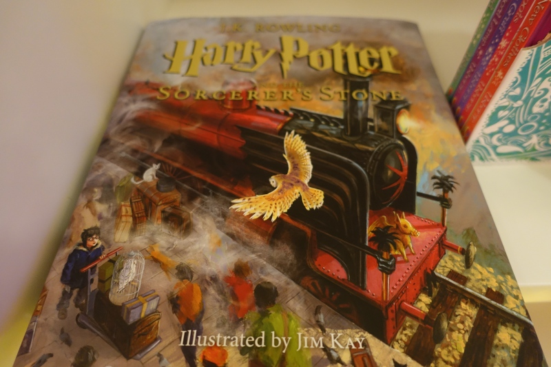 Harry Potter Book, Etihad First Class Lounge AUH Review