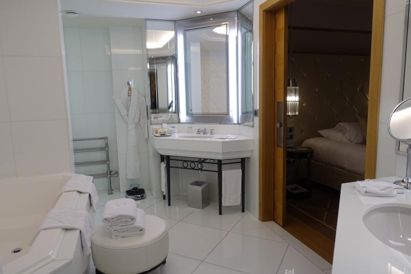 Prestige Suite Bathroom, Grand Hyatt Cannes Martinez Review