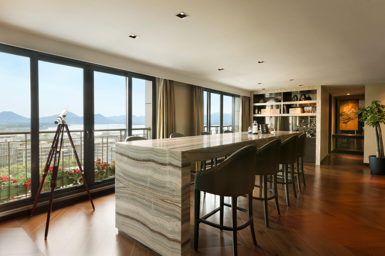 Shangri-La Hangzhou Midtown Horizon Club Lounge