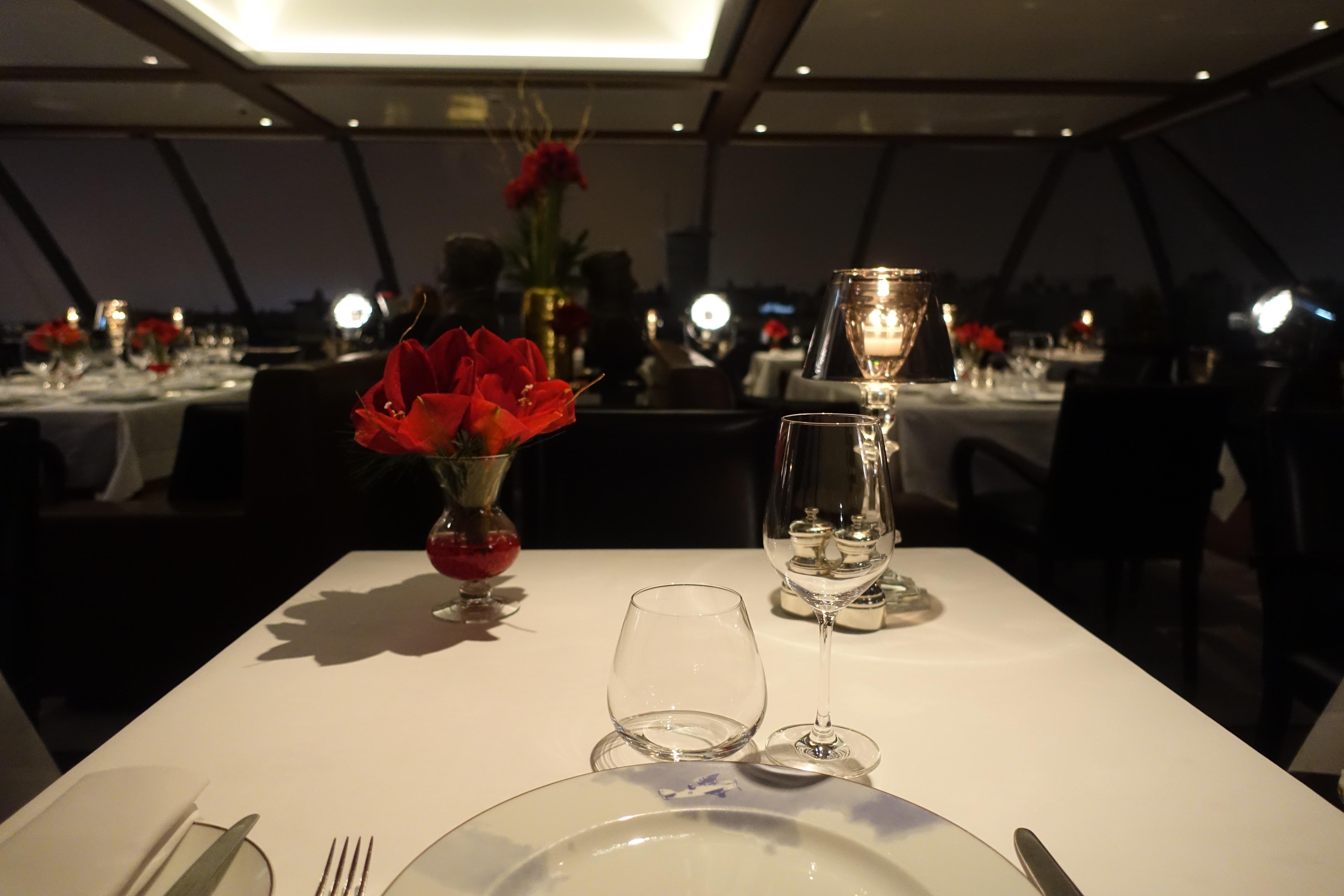 l oiseau blanc paris restaurant review the peninsula paris. Black Bedroom Furniture Sets. Home Design Ideas