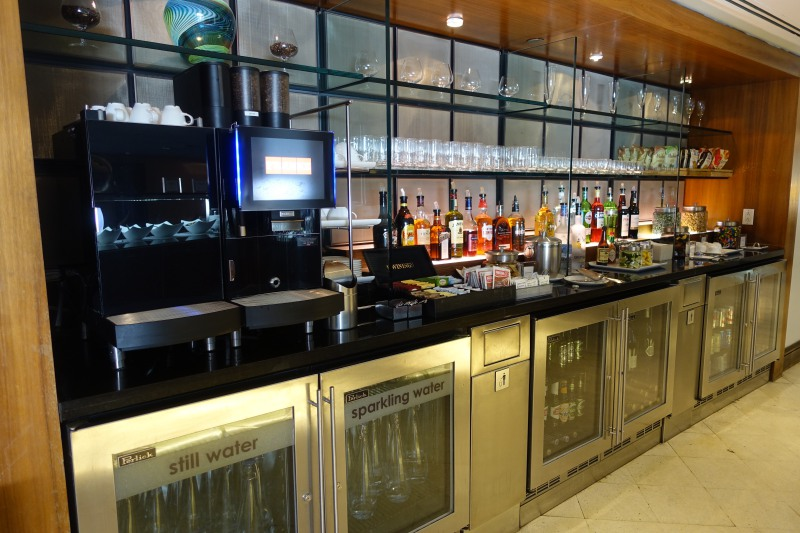 Bar, British Airways First Class Lounge JFK Review