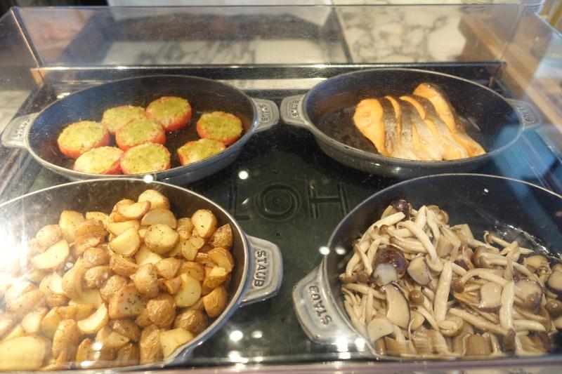 Hot Buffet, Mandarin Oriental Tokyo Breakfast Review