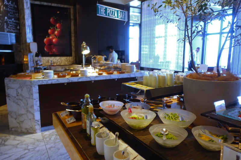 Mandarin Oriental Tokyo Breakfast Buffet Review