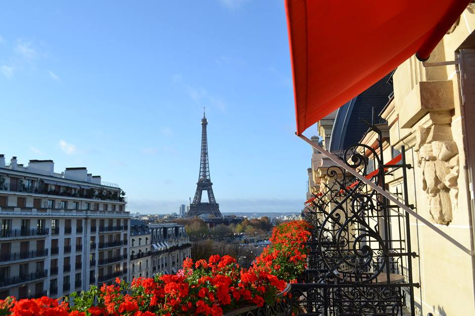 Hotel Plaza Athenee: Guarantee an Upgrade Up to a Junior Suite