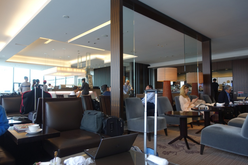 Crowded JAL First Class Lounge, Tokyo Narita