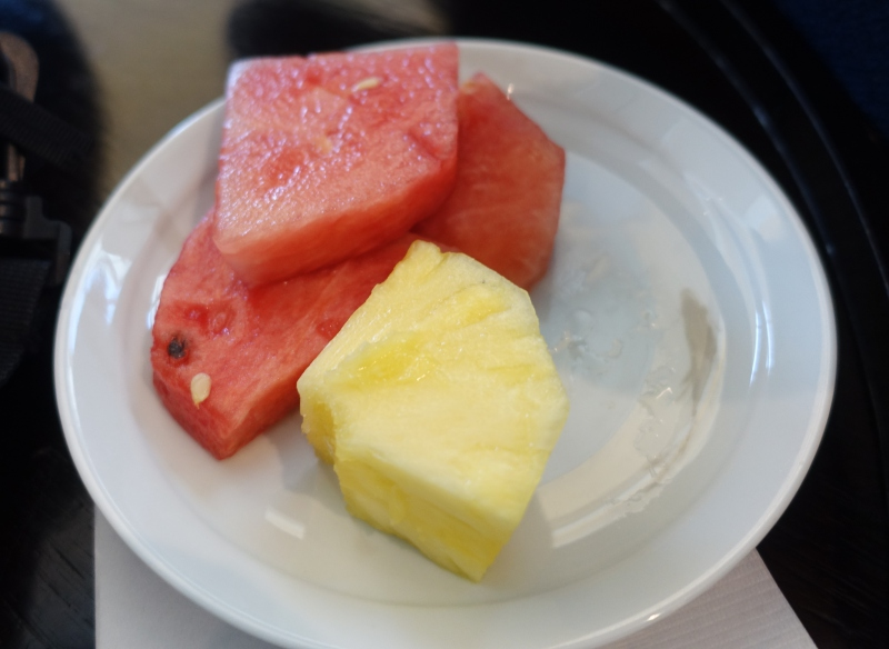 Watermelon and Pineapple, Korean Air Lounge LAX Review