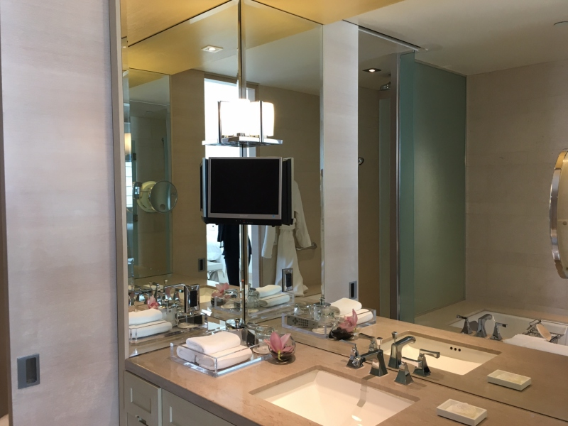 St. Regis San Francisco Executive Premier Bathroom