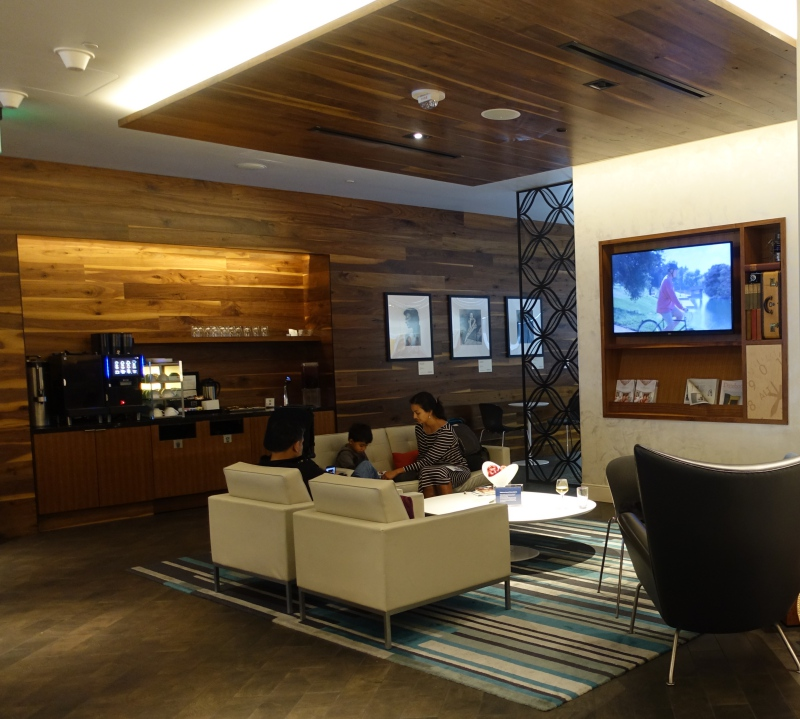 AMEX Centurion Lounge SFO 2017 Review - Seating Near Reception