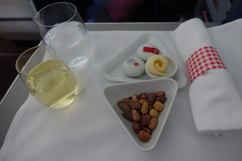 Pre-Dinner Drink and Mixed Nuts, Austrian Business Class Review