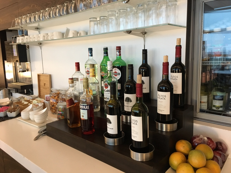 Wines and Spirits, SWISS Lounge Review, JFK
